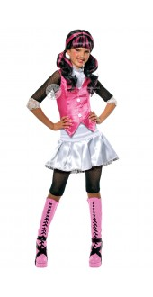 Monster High, Draculaura (child)